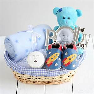 Lovely gift baskets for new born baby