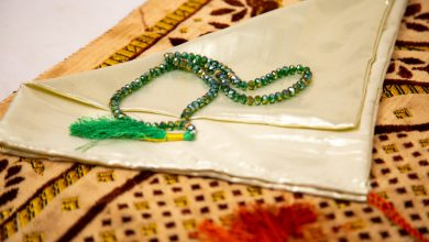 Photo of Benefits to Purchasing Islamic Prayer Beads Made From Local Sources